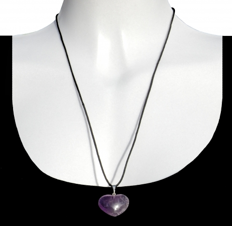 Charm heart with shoelace. Material: Amethyst from Bolivia.