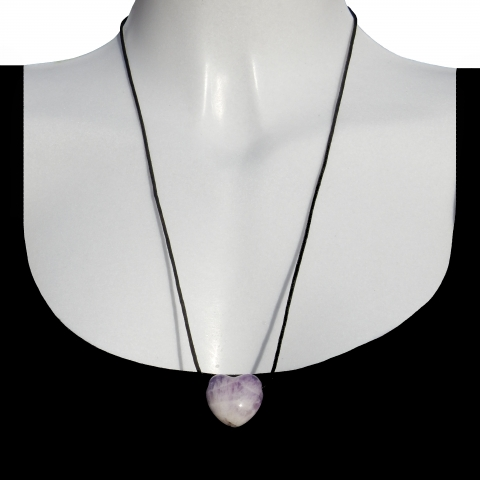 Charm heart with shoelace. Material: Amethyst.