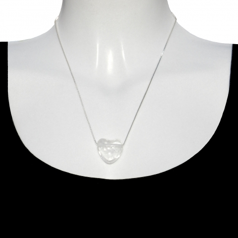 Charm heart with silver necklace 50cm. Material: Rock crystal.