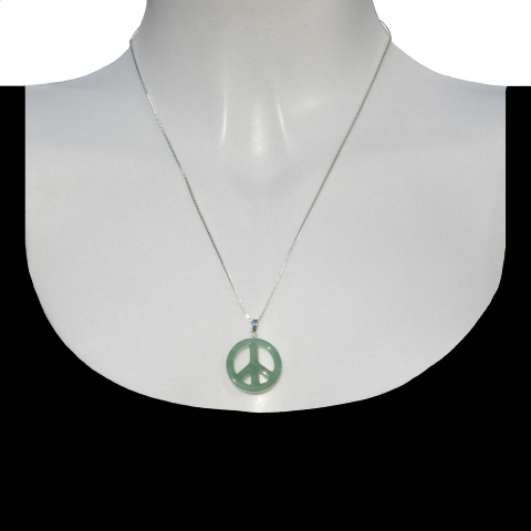 Charm peace with silver necklace 50cm. Material: Aventurine.