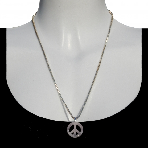 Charm peace with silver necklace 60cm. Material: rose quartz.