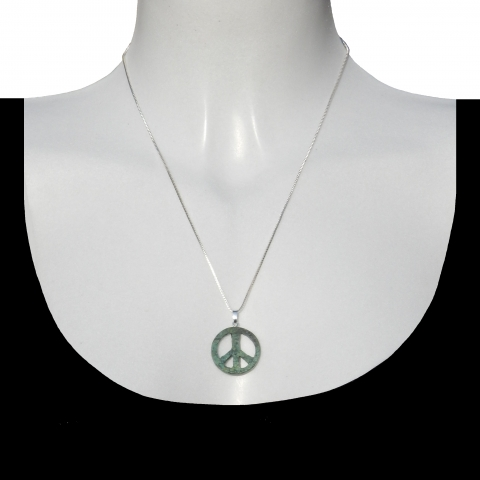 Charm peace with silver necklace 50cm. Material: turquoise.