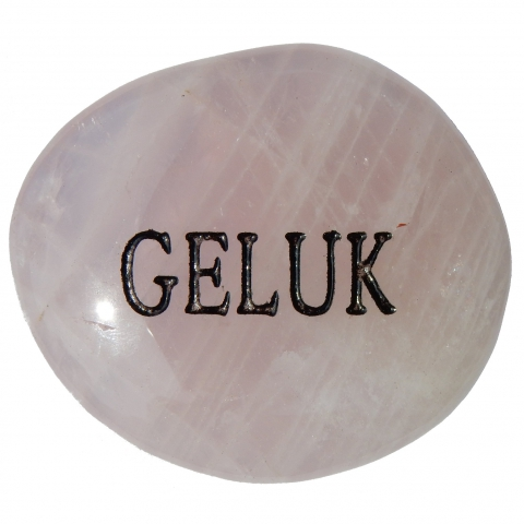 Pocket stone made of rose quartz. The word GELUK (happiness / luck) is engraved.